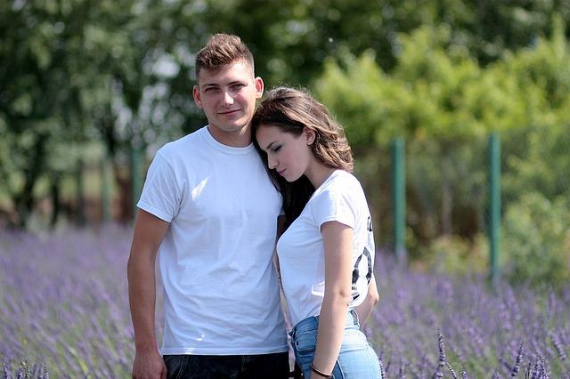 couple-1521412_640